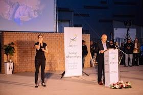 , Ταυτόχρονη διερμηνεία της ομιλίας του στη Νοηματική Γλώσσα στην ομιλία του Βασίλη Καθαροσπόρη, Eviathema.gr | ΕΥΒΟΙΑ ΝΕΑ - Νέα και ειδήσεις από όλη την Εύβοια