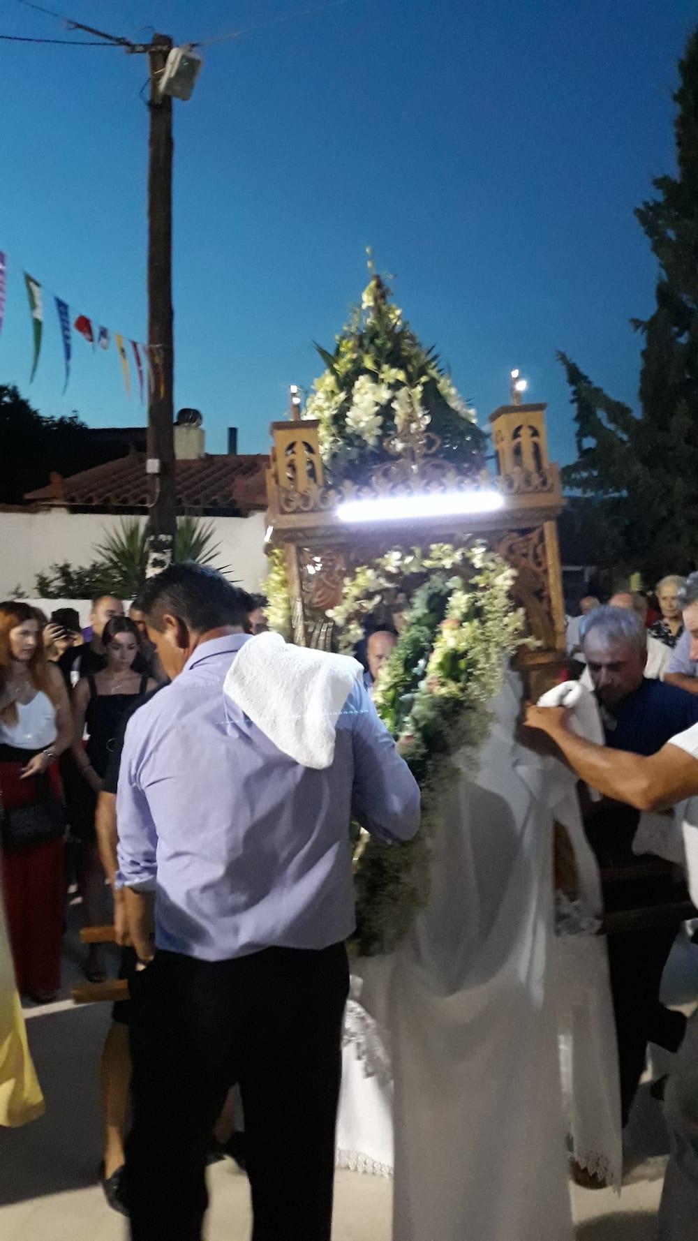 Τελέστηκε ο εσπερινός της εορτής της Παναγίας στον ΙΝ της Παναγίας Ψαχνών 20190814 204956