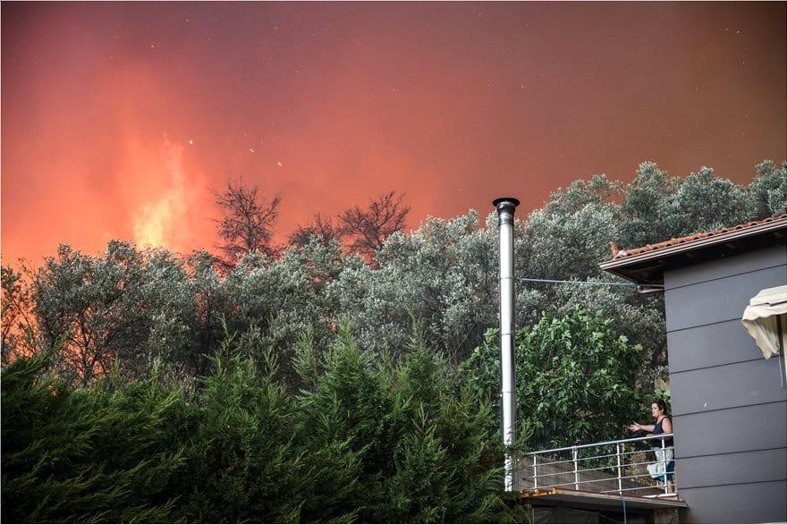 Συνεχίζεται η πυρκαγιά στο Μακρυμάλλι 4872948