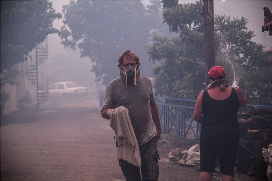 Συνεχίζεται η πυρκαγιά στο Μακρυμάλλι 4872958