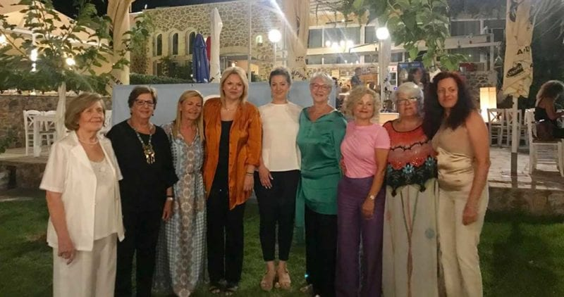 Στο ετήσιο δείπνο του Συλλόγου Απανταχού Αρτακηνών-Κυζικηνών η Έλενα Βάκα Στο ετήσιο δείπνο του Συλλόγου Απανταχού Αρτακηνών-Κυζικηνών η Έλενα Βάκα vaka1 800x422