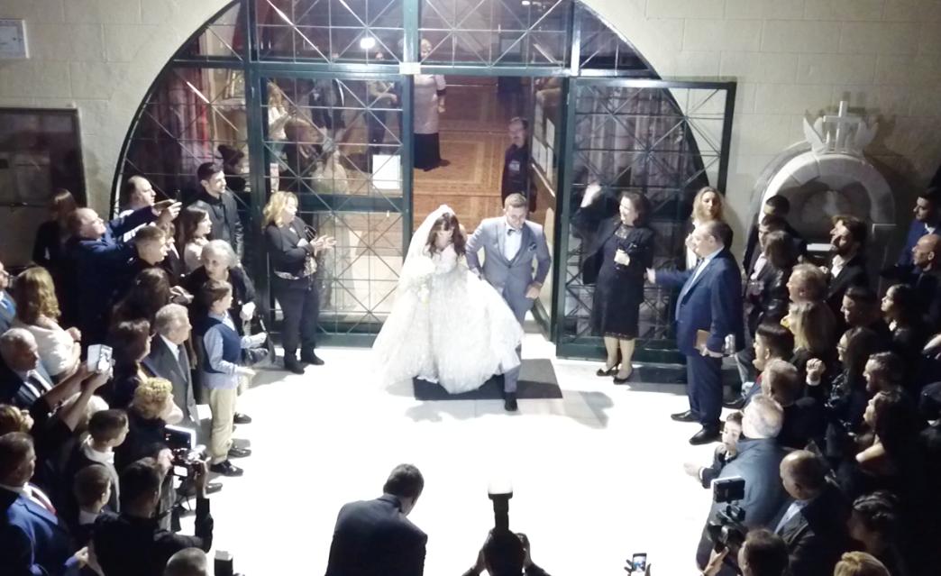 o Αντώνης Γεωργίου παντρεύτηκε την εκλεκτή της καρδιάς του. O Αντώνης Γεωργίου παντρεύτηκε την εκλεκτή της καρδιάς του.                          2019 11 18 17