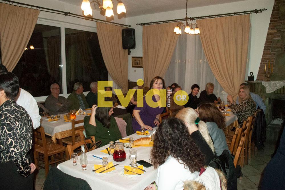 Πραγματοποιήθηκε η κοπή πίτας του Συλλόγου Αγγελής Γοβιός Πραγματοποιήθηκε η κοπή πίτας του Συλλόγου Αγγελής Γοβιός DSC 0116