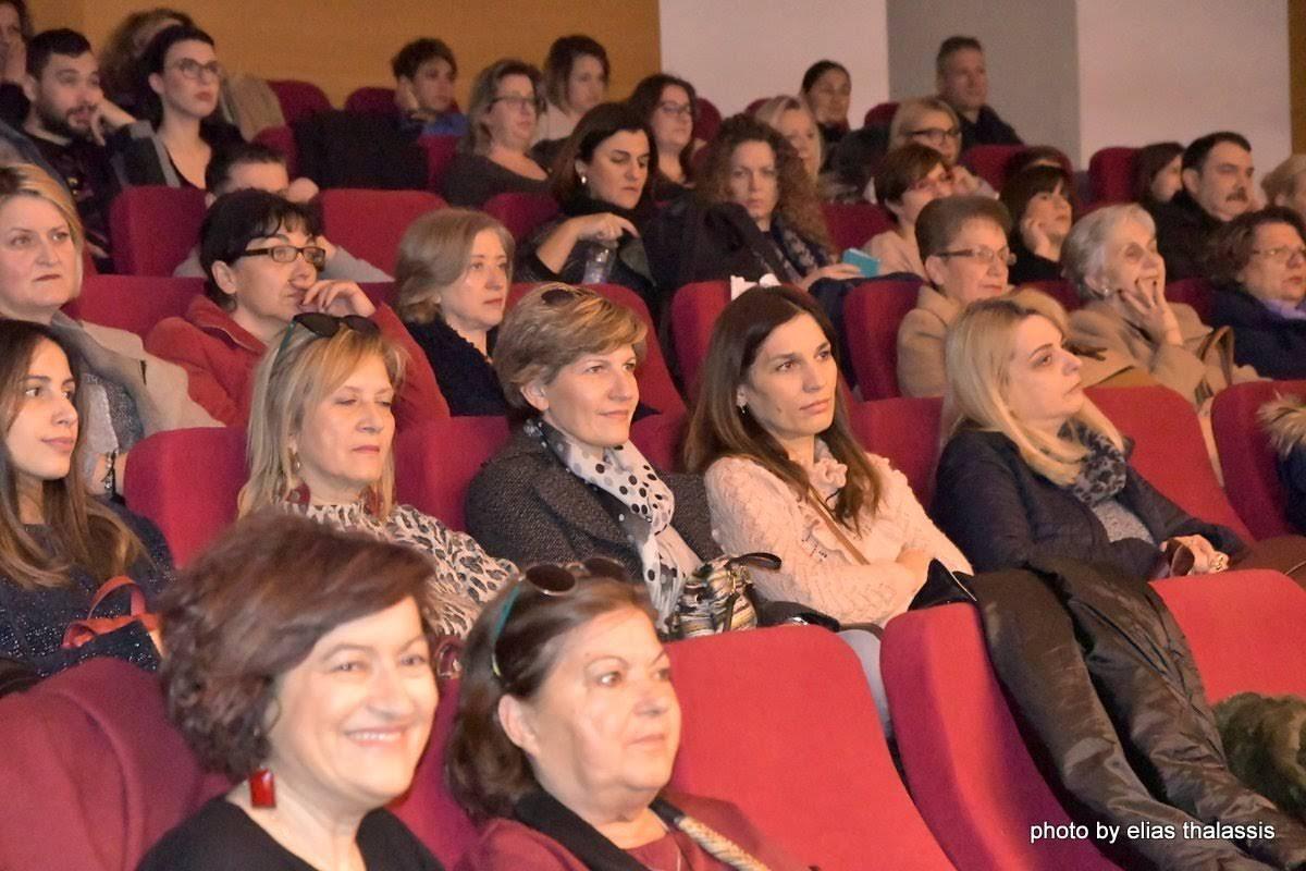 Με επιτυχία πραγματοποιήθηκε η παρουσίαση των βιβλίων του Στέφανου Ξενάκου σε διοργάνωση Δήμου Χαλκιδέων και ΔΟΠΠΑΧ DSC 4786