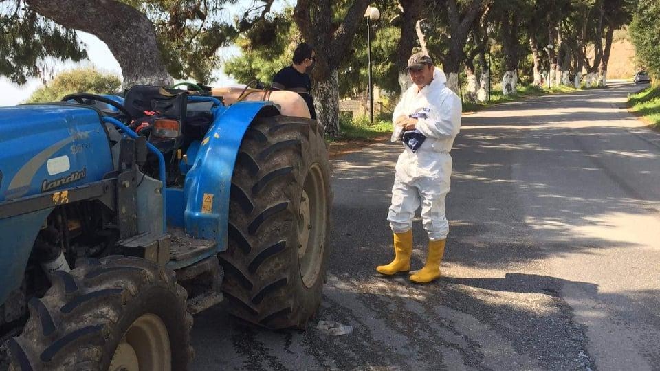 , Γιώργος Τσαπουρνιώτης: Βγήκε έξω να επιβλέψει την απολύμανση, Eviathema.gr | Εύβοια Τοπ Νέα Ειδήσεις