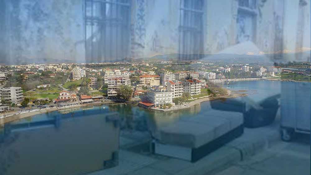 Λευκαντί Ευβοίας: Της πέταξε τα πράγματα, Λευκαντί Ευβοίας: Της πέταξε τα πράγματα έξω από το σπίτι, Eviathema.gr | ΕΥΒΟΙΑ ΝΕΑ - Νέα και ειδήσεις από όλη την Εύβοια