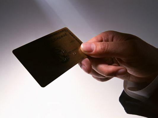 κλοπή πιστωτικής κάρτας, Κάρυστος Ευβοίας: Τον συνέλαβαν για κλοπή πιστωτικής κάρτας – Ανενόχλητος πήγε στην τράπεζα και έβγαλε λεφτά, Eviathema.gr | ΕΥΒΟΙΑ ΝΕΑ - Νέα και ειδήσεις από όλη την Εύβοια
