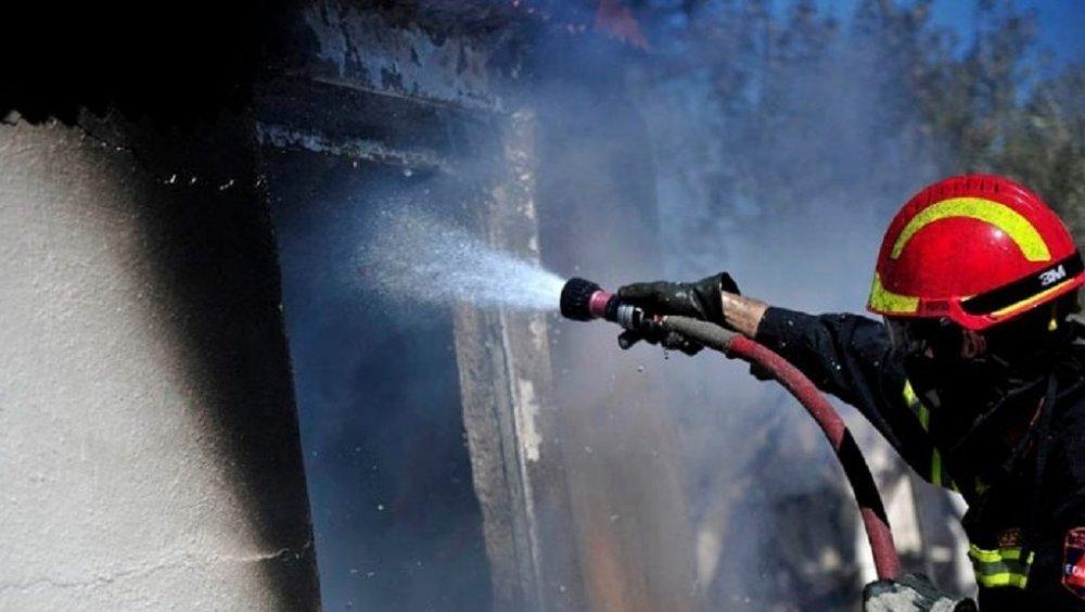 Δροσιά Χαλκίδας: Φωτιά ξέσπασε, Δροσιά Χαλκίδας: Φωτιά ξέσπασε σε σπίτι το πρωί της Τρίτης, Eviathema.gr | ΕΥΒΟΙΑ ΝΕΑ - Νέα και ειδήσεις από όλη την Εύβοια