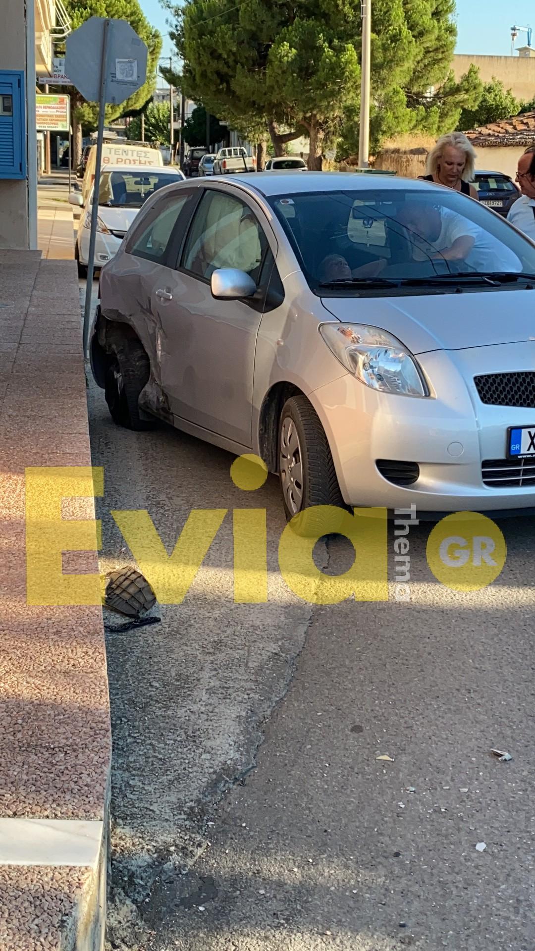 , Εύβοια: Τροχαίο ατύχημα το απόγευμα Τετάρτης στον περιφερειακό δρόμο της Ερέτριας [ΦΩΤΟΓΡΑΦΙΕΣ], Eviathema.gr | ΕΥΒΟΙΑ ΝΕΑ - Νέα και ειδήσεις από όλη την Εύβοια