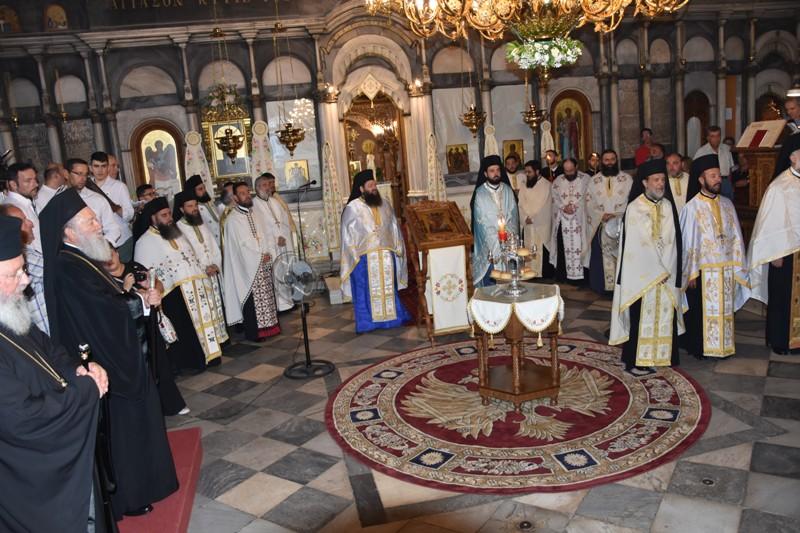 η εορτή της Αγίας Παρασκευής στην Χαλκίδα, Με λαμπρότητα η εορτή της Αγίας Παρασκευής στην Χαλκίδα – Υποδειγματική η υπακοή των προσκυνητών στα Μέτρα για τον Covid 19, Eviathema.gr | ΕΥΒΟΙΑ ΝΕΑ - Νέα και ειδήσεις από όλη την Εύβοια