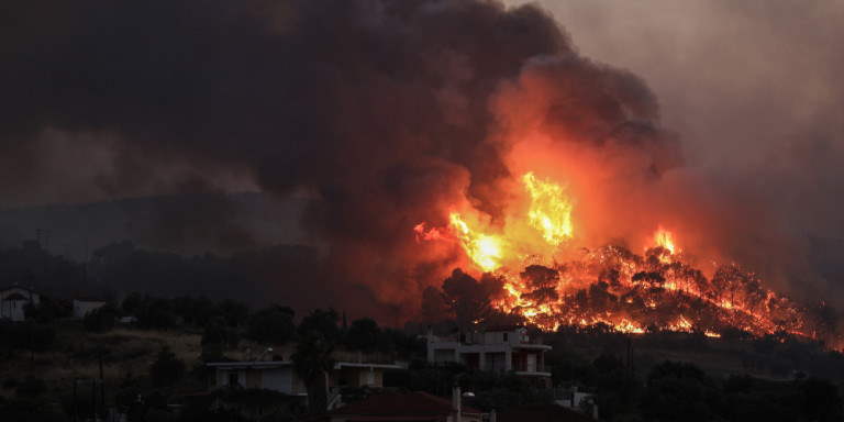 , Κορινθία: Ολονύχτια μάχη με τη φωτιά -Οι φλόγες έφτασαν σε σπίτια, εκκενώθηκε και έκτος οικισμός [εικόνες], Eviathema.gr | ΕΥΒΟΙΑ ΝΕΑ - Νέα και ειδήσεις από όλη την Εύβοια