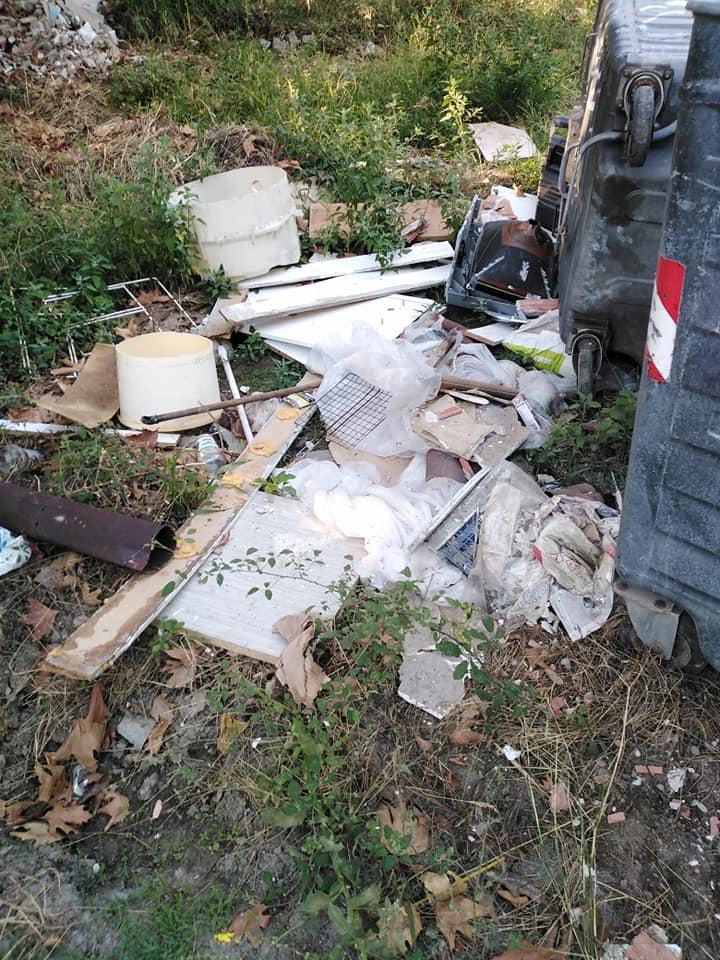 Χιλιαδού Ευβοίας: Η αγανάκτηση ενός επισκέπτη για τις στοίβες σκουπιδιών, Χιλιαδού Ευβοίας: Η αγανάκτηση ενός επισκέπτη για τις στοίβες σκουπιδιών σε όλη την περιοχή [ΦΩΤΟΓΡΑΦΙΕΣ], Eviathema.gr | Εύβοια Τοπ Νέα Ειδήσεις