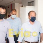 , Κλιμάκιο της αστυνομίας μοίρασε κλήσεις στο προσωπικό του Διοικητηρίου Χαλκίδας  την ώρα της άφιξης του Υπουργού Καραμανλή, Eviathema.gr | Εύβοια Τοπ Νέα Ειδήσεις
