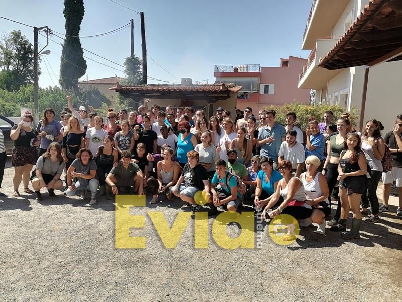 , Πάνω από 100 εθελοντές από το Μάτι και την υπόλοιπη Αθήνα βρέθηκαν την Δευτέρα στην Εύβοια [ΦΩΤΟΓΡΑΦΙΕΣ – ΒΙΝΤΕΟ], Eviathema.gr | ΕΥΒΟΙΑ ΝΕΑ - Νέα και ειδήσεις από όλη την Εύβοια