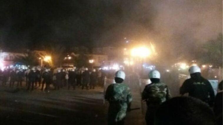 Άγριες συμπλοκές νεαρών με ΜΑΤ στην Ορεστιάδα, Άγριες συμπλοκές νεαρών με ΜΑΤ στην Ορεστιάδα – Μαχαιρώθηκε ένας αστυνομικός, Eviathema.gr | Εύβοια Τοπ Νέα Ειδήσεις