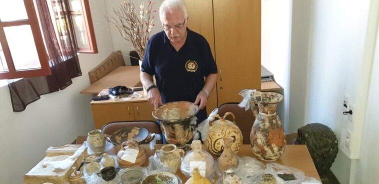 Επιχειρηματίας έκρυβε θησαυρό αρχαιοτήτων στο σπίτι του, Ρόδος: Επιχειρηματίας έκρυβε θησαυρό αρχαιοτήτων στο σπίτι του – Πώς έφτασαν στη σύλληψή του, Eviathema.gr | ΕΥΒΟΙΑ ΝΕΑ - Νέα και ειδήσεις από όλη την Εύβοια