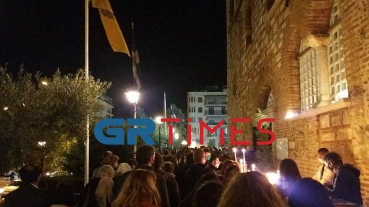 Ουρές σχηματίστηκαν στον Ιερό Ναό Αγίου Δημητρίου, Θεσσαλονίκη: Πατείς με πατώ στον Άγιο Δημήτριο για το προσκύνημα – Βίντεο, Eviathema.gr | Εύβοια Τοπ Νέα Ειδήσεις