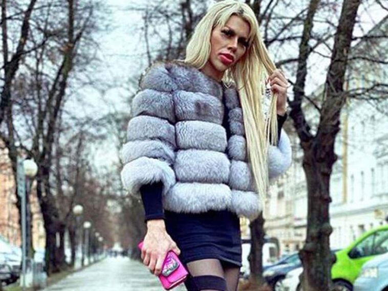 , Στρέιτ Τσέχος που έδωσε χιλιάδες ευρώ για να μοιάσει στην Μπάρμπι αναζητά… ανοιχτόμυαλη γυναίκα, Eviathema.gr   ΕΥΒΟΙΑ ΝΕΑ - Νέα και ειδήσεις από όλη την Εύβοια