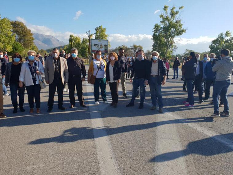 Ερέτρια Ευβοίας έκλεισε ο δρόμος, Ερέτρια: Κινητοποίηση το πρωί της Κυριακής ενάντια στην εγκατάσταση μεταναστών [ΦΩΤΟΓΡΑΦΙΑ], Eviathema.gr | Εύβοια Τοπ Νέα Ειδήσεις