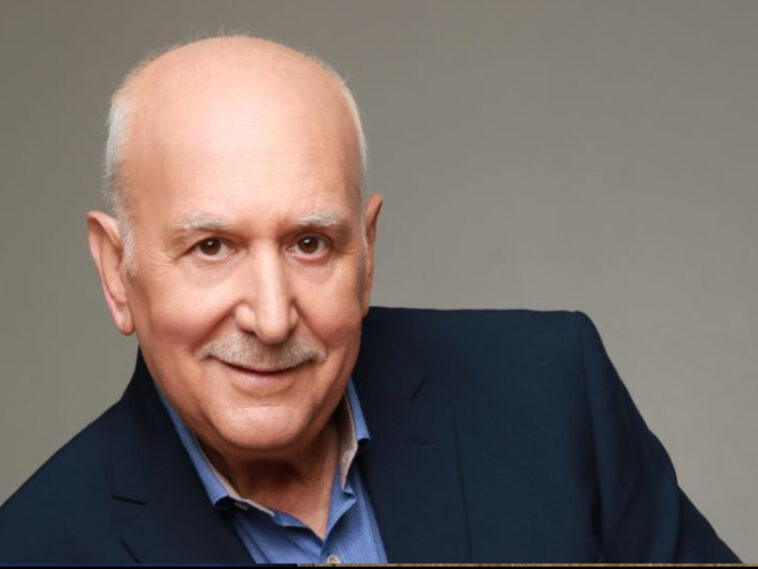 Γιώργος Παπαδάκης ήρθε σε έμμεση επαφή με κρούσμα κορονοϊού, Γιώργος Παπαδάκης: Σε καραντίνα ο παρουσιαστής – Βγήκε με Skype στην εκπομπή του, Eviathema.gr   Εύβοια Τοπ Νέα Ειδήσεις