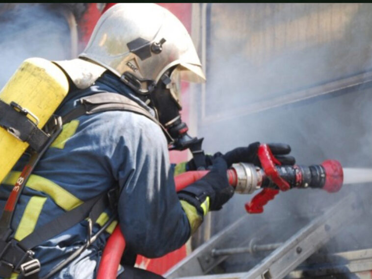 Στο Ηράκλειο Κρήτης μία γυναίκα τραυματίστηκε στο πρόσωπο από φωτιά., Ηράκλειο: Φωτιά σε σπίτι – Γυναίκα κάηκε στο πρόσωπο, Eviathema.gr | Εύβοια Τοπ Νέα Ειδήσεις