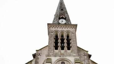 Τρεις τραυματίες από την εισβολή αυτοκινήτου σε εκκλησία της Γαλλίας, Τρεις τραυματίες από την εισβολή αυτοκινήτου σε εκκλησία της Γαλλίας, Eviathema.gr | ΕΥΒΟΙΑ ΝΕΑ - Νέα και ειδήσεις από όλη την Εύβοια