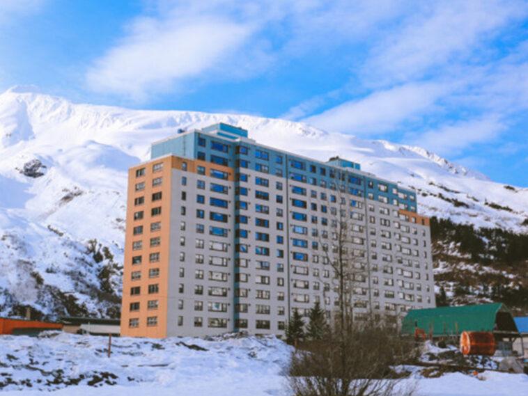 Αλάσκα: Μια ολόκληρη πόλη ζει μέσα σ' ένα κτίριο