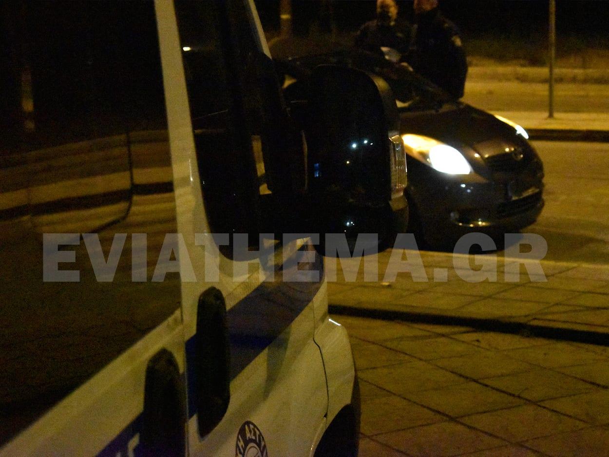 Ελάχιστα ήταν τα αυτοκίνητα που πέρασαν την είσοδο της Χαλκίδας το απόγευμα του Σαββάτου, Χαλκίδα Ευβοίας: Οι έλεγχοι της Τροχαίας στην είσοδο της πόλης την πρώτη μέρα της εφαρμογής των νέων μέτρων [ΦΩΤΟΓΡΑΦΙΕΣ – ΒΙΝΤΕΟ], Eviathema.gr | ΕΥΒΟΙΑ ΝΕΑ - Νέα και ειδήσεις από όλη την Εύβοια