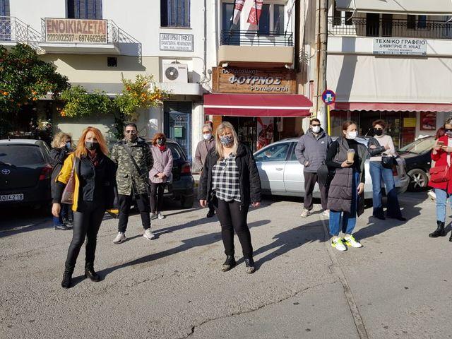 Εμποροι στους δρόμους στο Αλιβέρι
