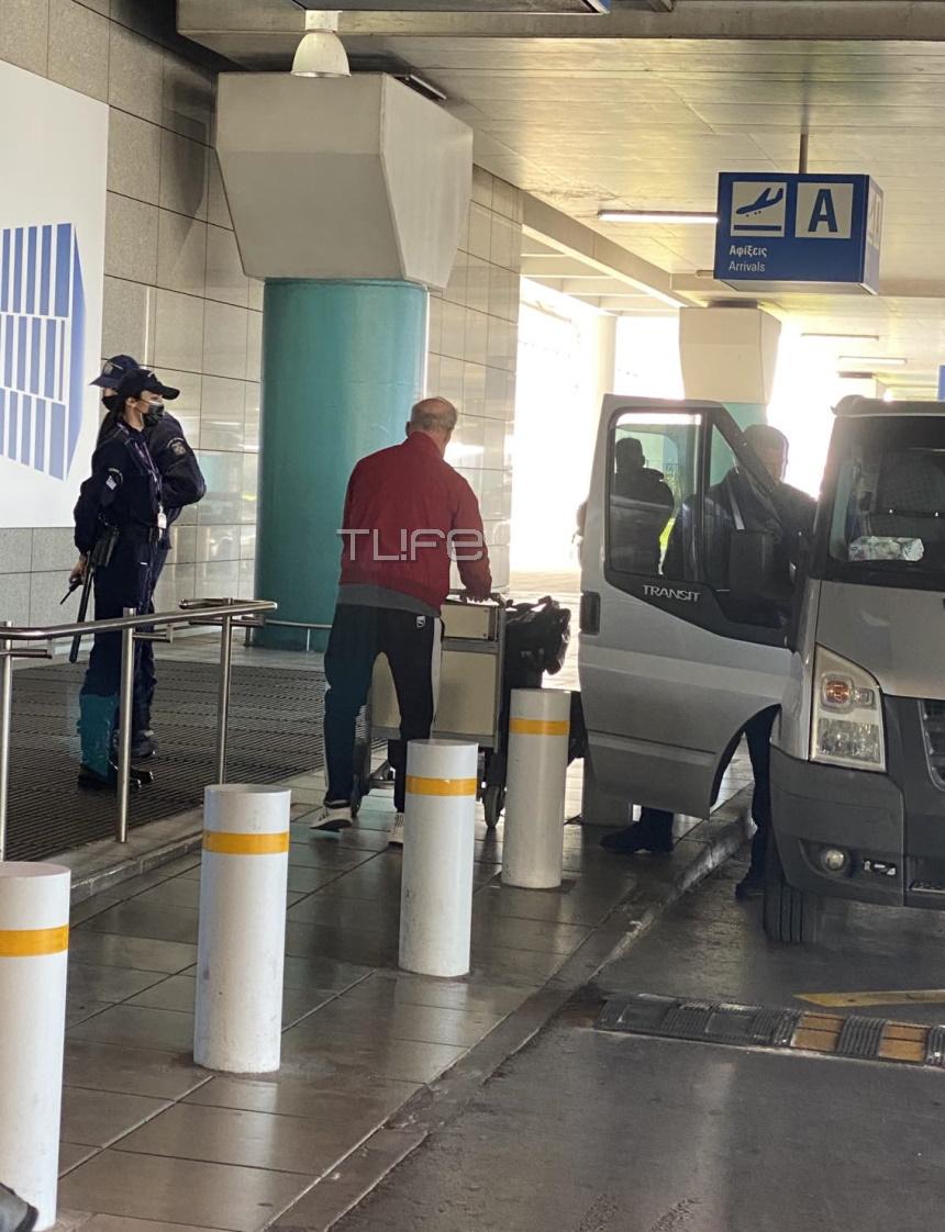 Για την Ελλάδα ταξίδεψε σήμερα ο Πέτρος Κωστόπουλος, Πέτρος Κωστόπουλος: Επεισόδιο με φωνές στο αεροδρόμιο – Τι συνέβη; (βίντεο), Eviathema.gr | ΕΥΒΟΙΑ ΝΕΑ - Νέα και ειδήσεις από όλη την Εύβοια