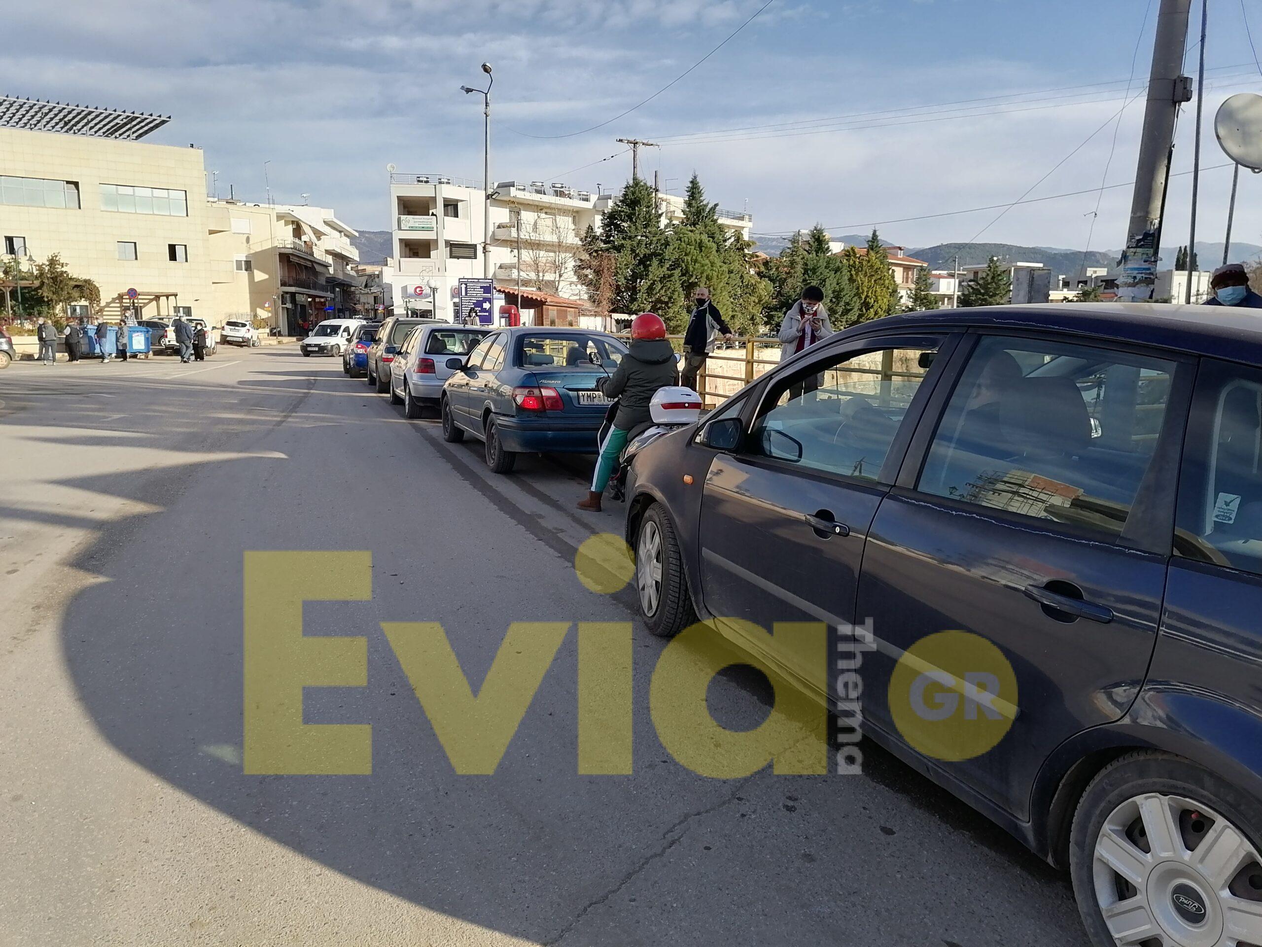Ψαχνά Ευβοίας: Ουρά τα αυτοκίνητα για το Drive Through Testing