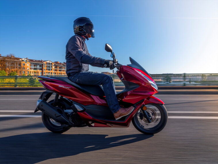 Το δημοφιλές PCX125 Honda εξελίσσεται και ανανεώνεται στιλιστικά, Νέο HONDA PCX125, Eviathema.gr | Εύβοια Τοπ Νέα Ειδήσεις