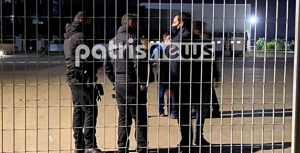 Νεκρός άντρας μέσα σε συσκευαστήριο, Άγρια Επίθεση – Ηλεία: Νεκρός άντρας μέσα σε συσκευαστήριο – Toν κατασπάραξαν τα σκυλιά! [Eικόνες & Βίντεο], Eviathema.gr | Εύβοια Τοπ Νέα Ειδήσεις