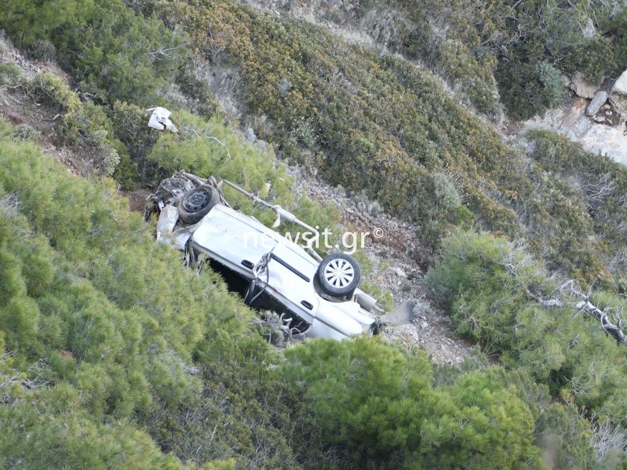 Άσχημη κατάληξη φαίνεται πως έχει το τροχαίο στην Κερατέα, Θρίλερ : Νεκρός ο οδηγός που έπεσε σε γκρεμό στη Κακιά Θάλασσα (ΦΩΤΟΓΡΑΦΙΕΣ), Eviathema.gr | Εύβοια Τοπ Νέα Ειδήσεις