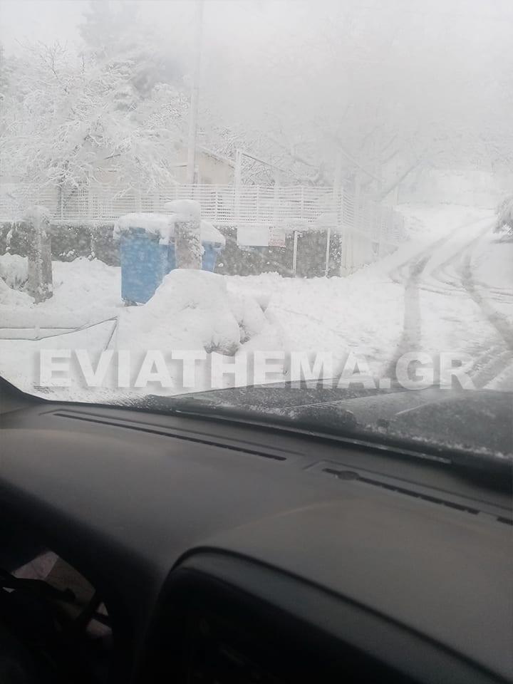 Για τα καλά έχει σκεπάσει το χιόνι περιοχές της Βόρειας Εύβοιας