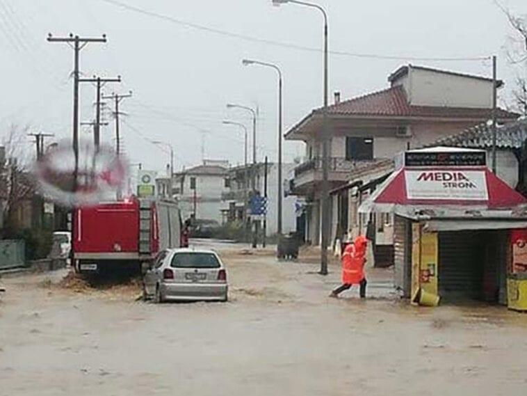 Θρήνος στον Έβρο που είναι ξανά αντιμέτωπος με καταστροφικές πλημμύρες. Νεκρός 46χρονος