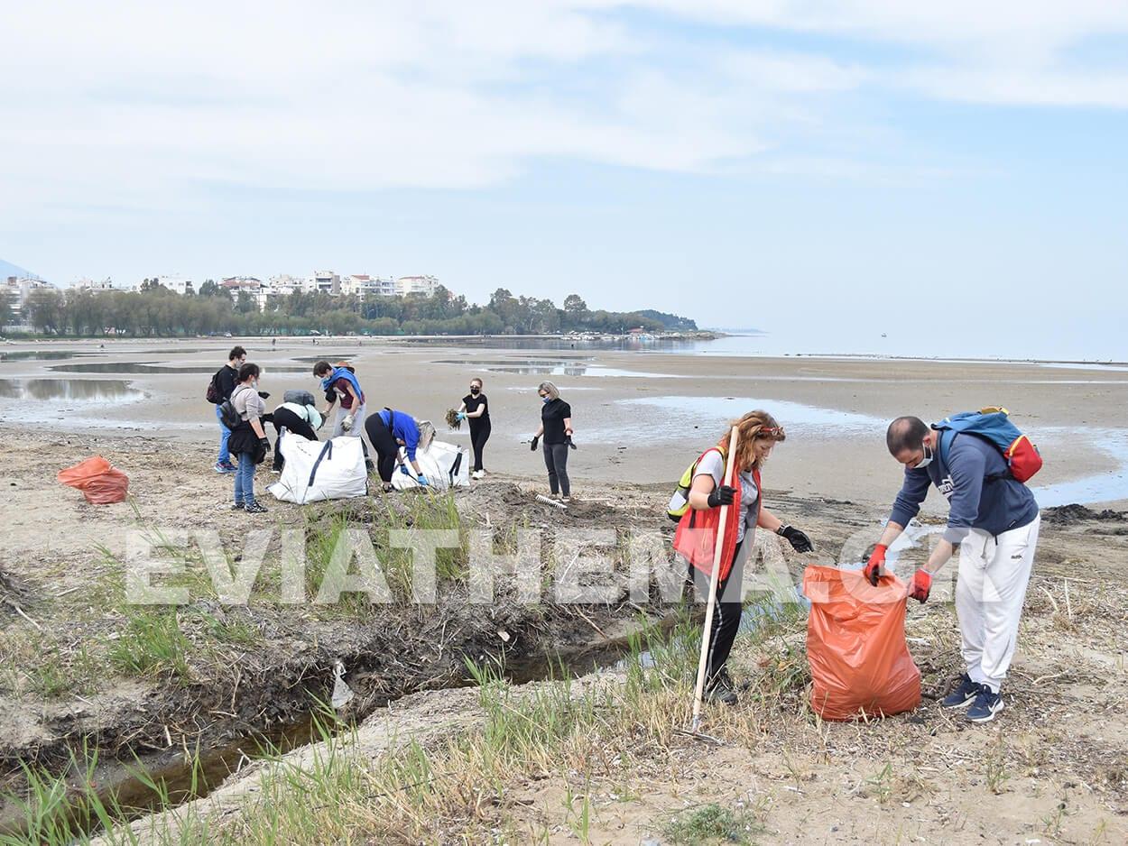 Στην Λιαννή Άμμο στην Χαλκίδα βρέθηκε σήμερα η εθελοντική ομάδα Save Your Hood, Χαλκίδα Ευβοίας: Συνεχίζεται η δράση των Save Your Hood – Καθάρισαν το πρωί της Κυριακή την Λιαννή Άμμο από τα σκουπίδια [ΦΩΤΟΓΡΑΦΙΕΣ – ΒΙΝΤΕΟ], Eviathema.gr | ΕΥΒΟΙΑ ΝΕΑ - Νέα και ειδήσεις από όλη την Εύβοια