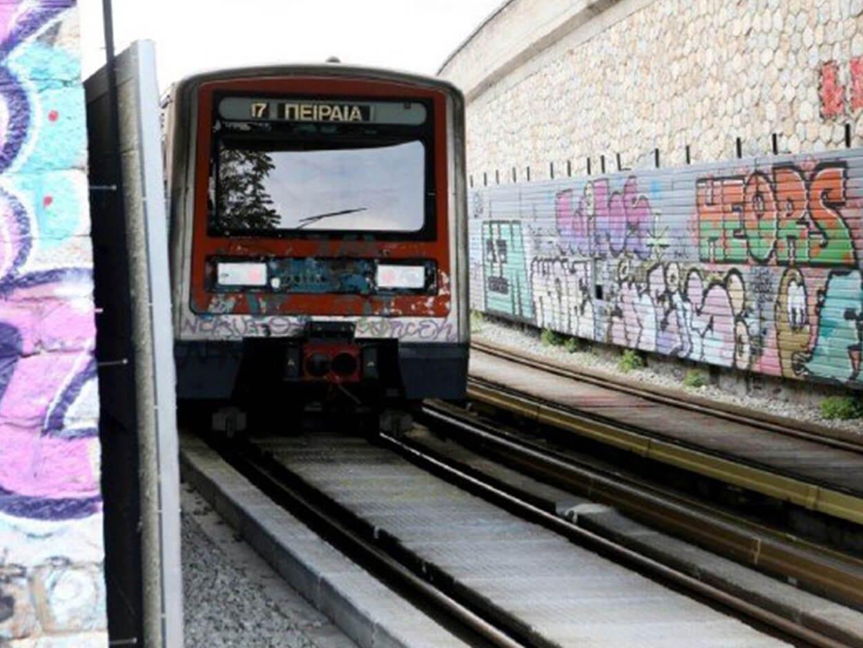 , Σταθμός Ηλεκτρικού Καλιθέας: Άστεγος αποπειράθηκε να αυτοκτονήσει πέφτοντας στο κενό, Eviathema.gr | Εύβοια Τοπ Νέα Ειδήσεις