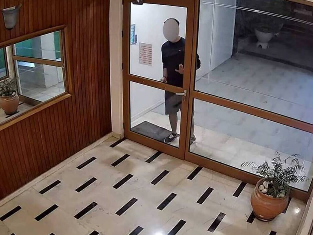 , Νέα μαρτυρία από θύμα του 22χρονου επιδειξία της Νέας Σμύρνης, Eviathema.gr | Εύβοια Τοπ Νέα Ειδήσεις