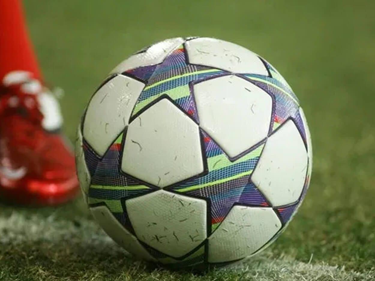 Στη ΜΕΘ 14χρονος ποδοσφαιριστής, Στη ΜΕΘ 14χρονος ποδοσφαιριστής που κατέρρευσε την ώρα της προπόνησης, Eviathema.gr | Εύβοια Τοπ Νέα Ειδήσεις