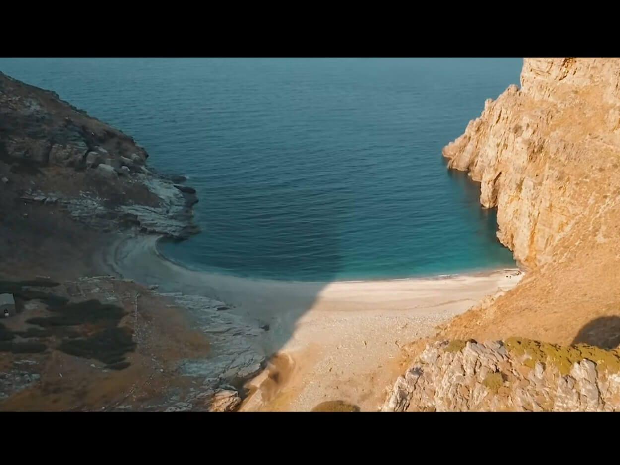 Η «κρυμμένη» παραλία της Εύβοιας, Η «κρυμμένη» παραλία της Εύβοιας με τη λευκή άμμο που θυμίζει Σεϋχέλλες, Eviathema.gr | Εύβοια Τοπ Νέα Ειδήσεις