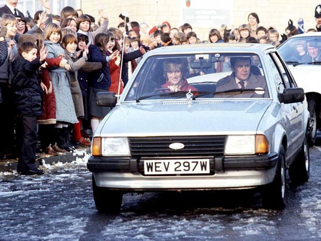Ford Escort Ghia Saloon του 1981, Σε δημοπρασία το Ford Escort που οδηγούσε η πριγκίπισσα Νταϊάνα ΦΩΤΟ, Eviathema.gr | Εύβοια Τοπ Νέα Ειδήσεις