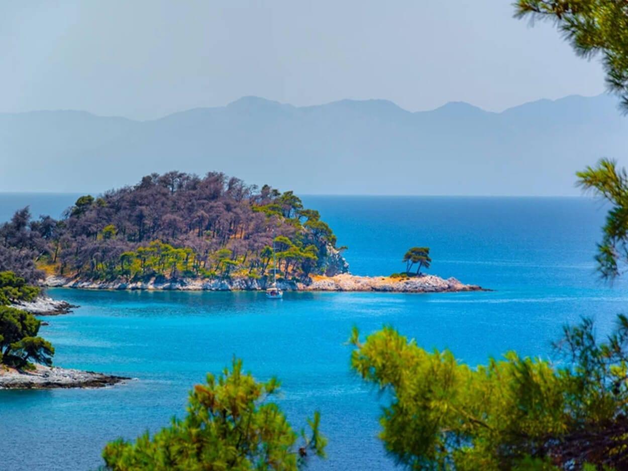 Η παραλία στη Σκόπελο που δεν «μαραίνεται» ποτέ, Η παραλία στη Σκόπελο που δεν «μαραίνεται» ποτέ, Eviathema.gr | Εύβοια Τοπ Νέα Ειδήσεις